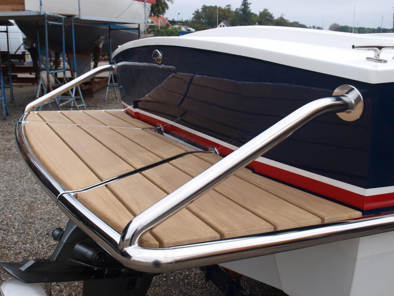 Badeplatform båd